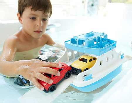 Green Toys Ferry Boat - Bath Toys for Ages 3 to 6 - Fat Brain Toys